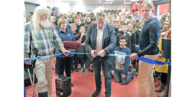 fællesbibliotek 3 talere klipper snor tv. Jesper Wittenburg-borgmesteren samt Morten Skovgaard