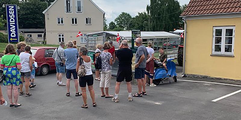 Der var start på torvet i Venslev, hvor turen havde fokus natur og Venslev som Frederikssund Kommunes mest alsidige landsby.