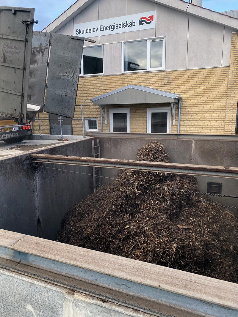 Levering af HPO; grenaffald. Foto: Niels-Jørgen Pedersen