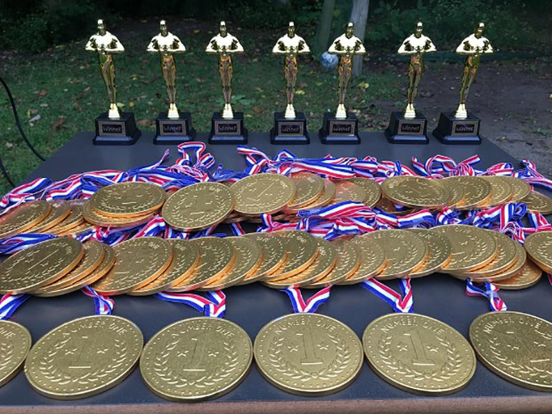 Der var medaljer til deltagerne i de paralympiske lege. Foto: Frederkssund Kommune